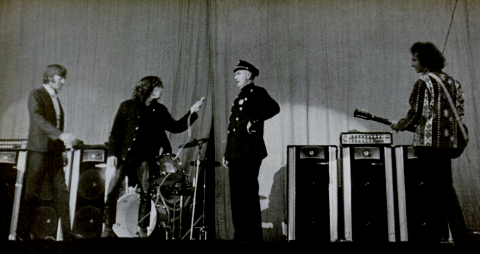 Jim Morrison On Stage Arrest Jim Morrison about to ...